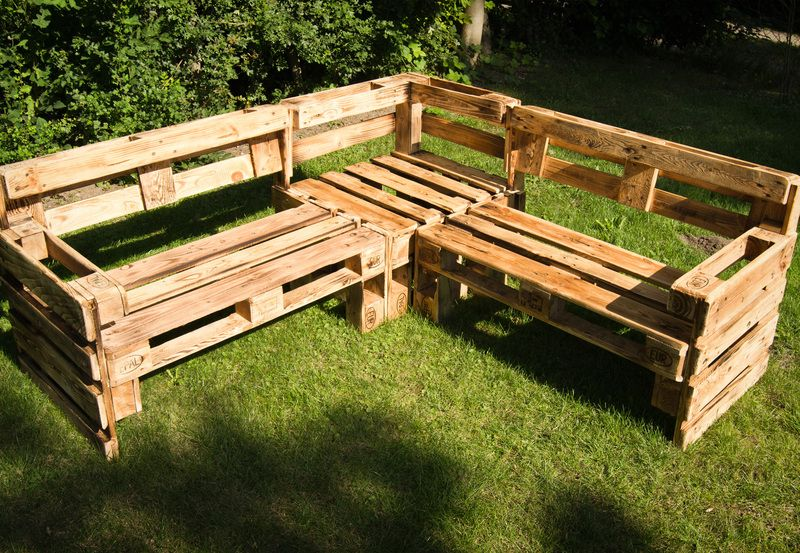 eckbank aus europaletten bench made from wooden pallets by tiefseefisch via. Black Bedroom Furniture Sets. Home Design Ideas