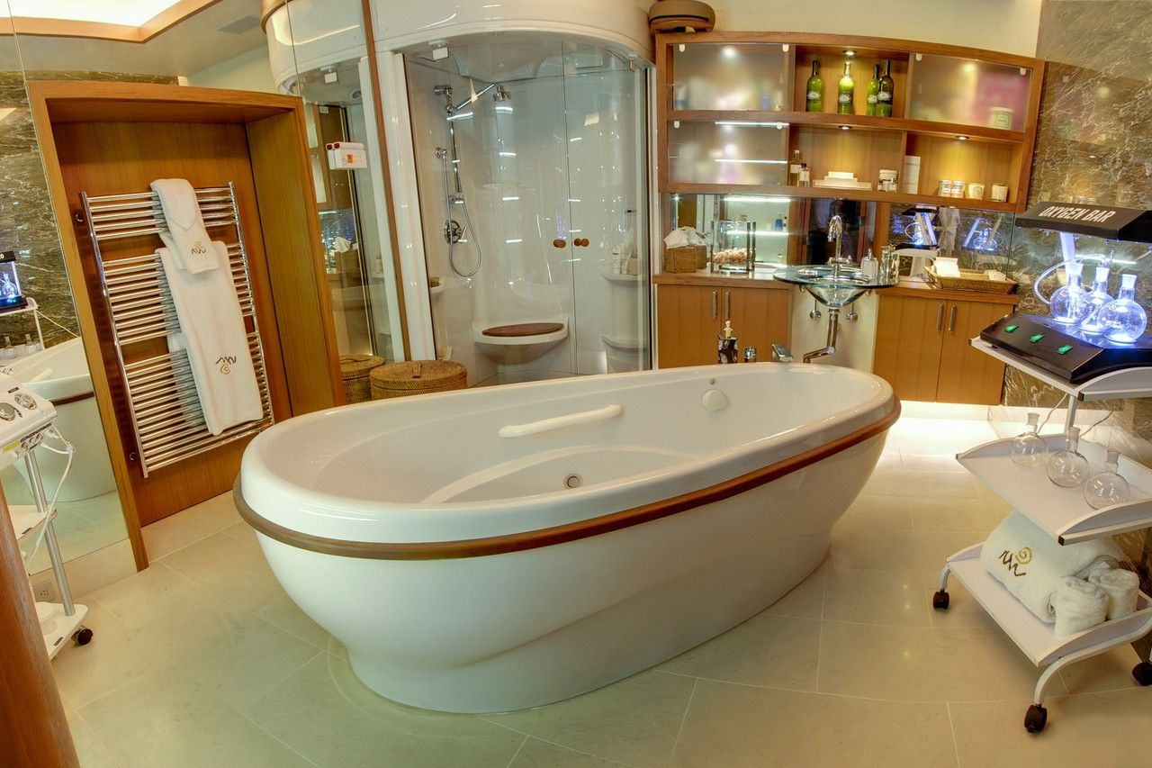hotels with big bathtubs. The Spa At Patti Wheeler\u0027s Home In Snowmass, Colo. She Has A Chromotherapy Tub Hotels With Big Bathtubs