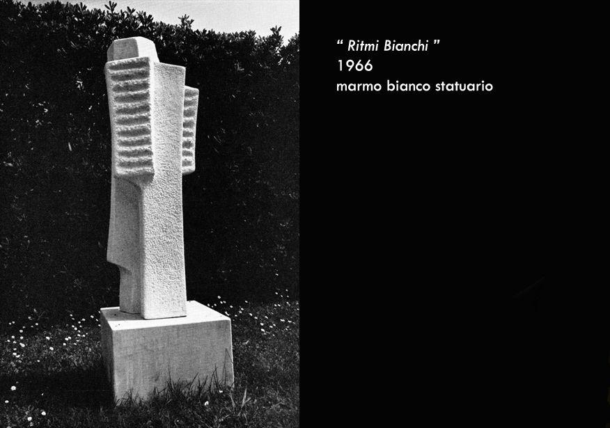 Nel 1966 si reca a Querceta su invito della Fondazione Henraux: realizza opere come Ritmi Bianchi e Vegetale http://www.musapietrasanta.it/content.php?menu=rosalda_gilardi