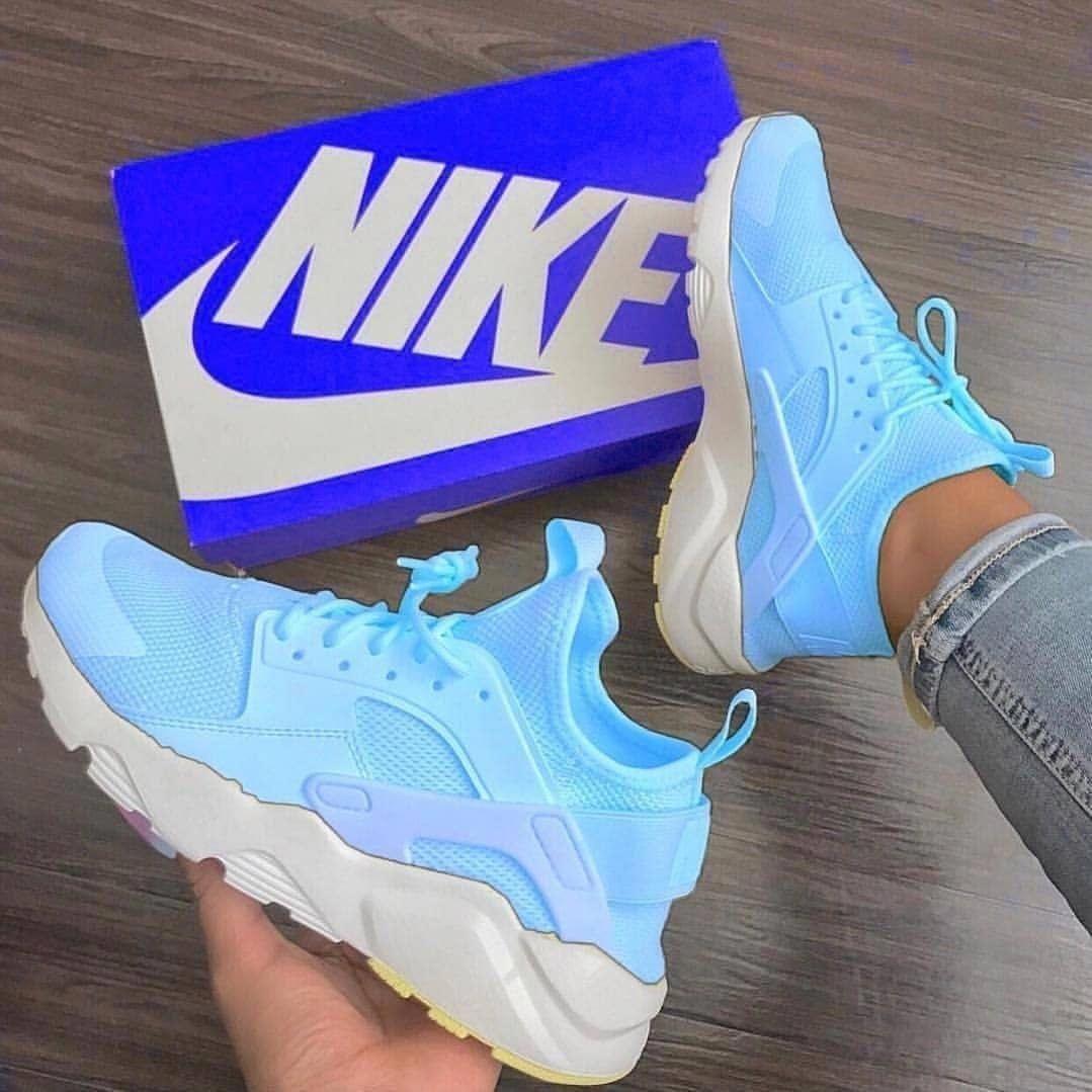 Kicks shoes, Nike shoes women