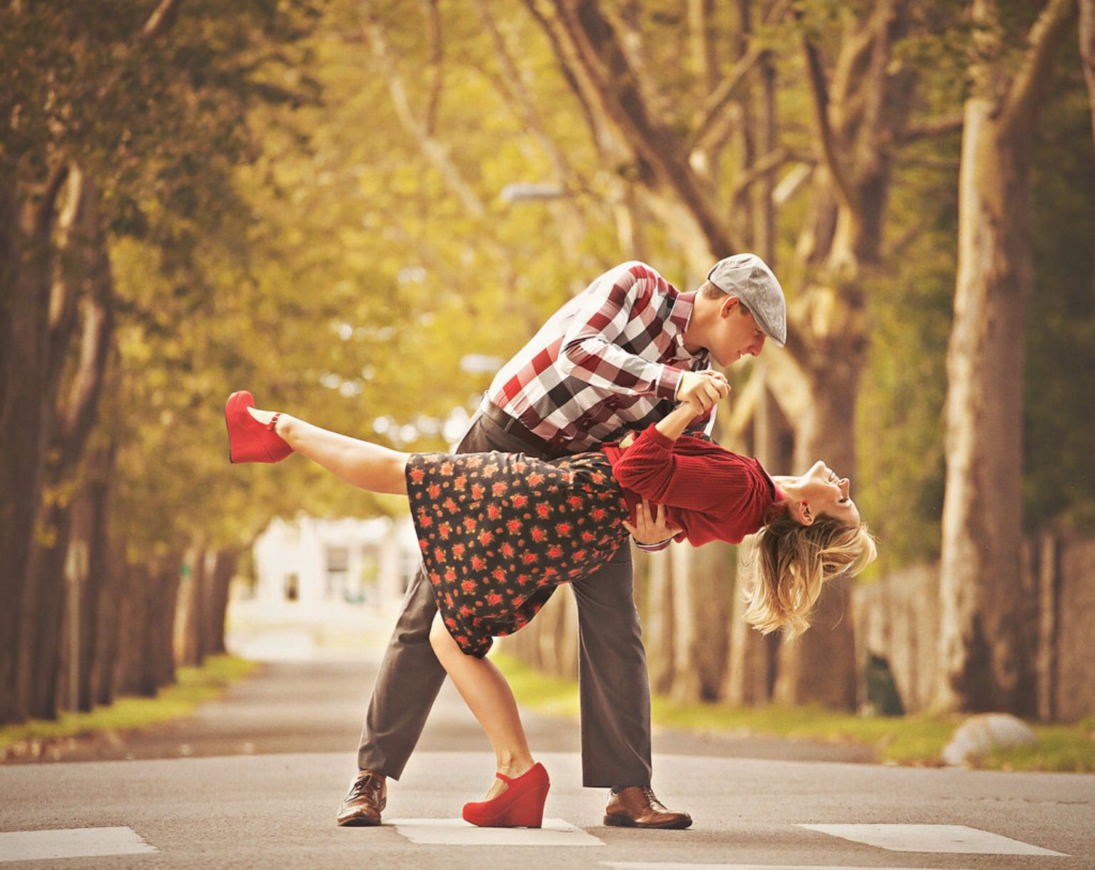 The Notebook engagement shoot, Noah and Allie dancing in ...