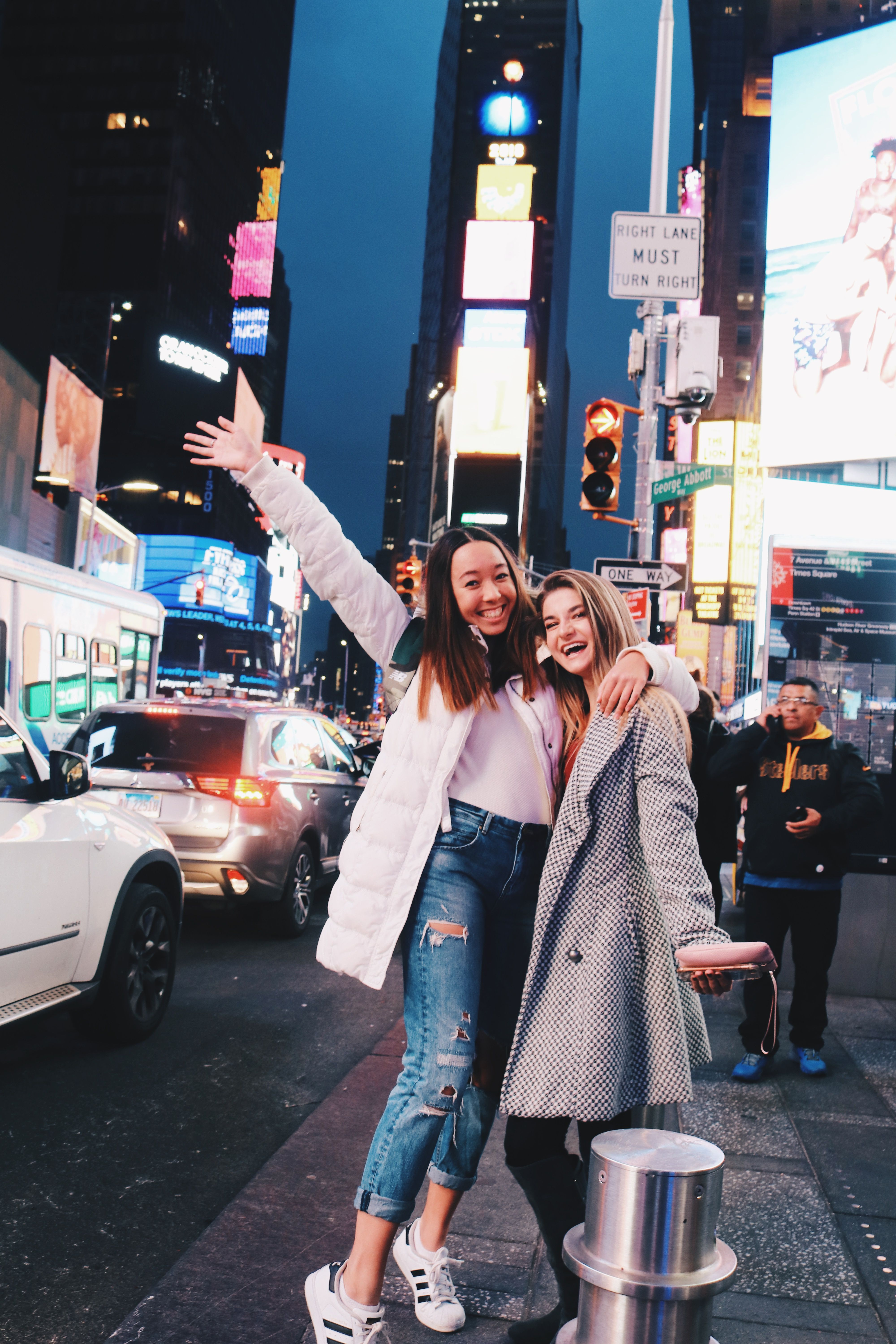 new york city friend photoshoot times square ig/pin