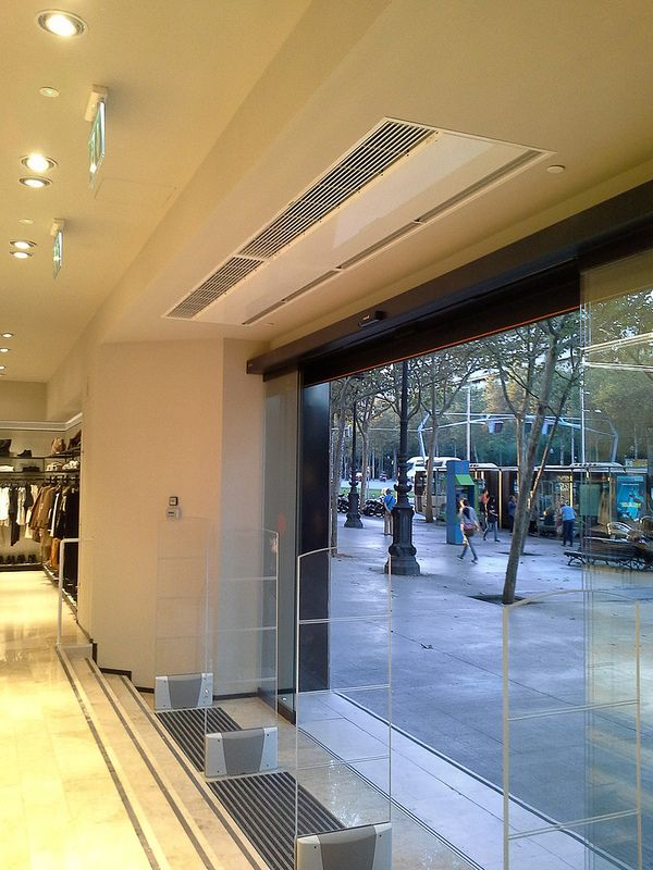 Commercial Entrances Recessed Air Curtains - Recessed Windbox SMG -  Multiple - Chain Shop - Sfera - Spain - Barcelona 543f728e32c6