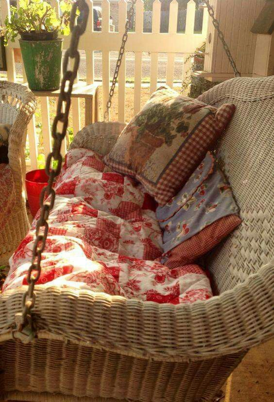 Darling White Wicker Swing Bebe Love This Red And