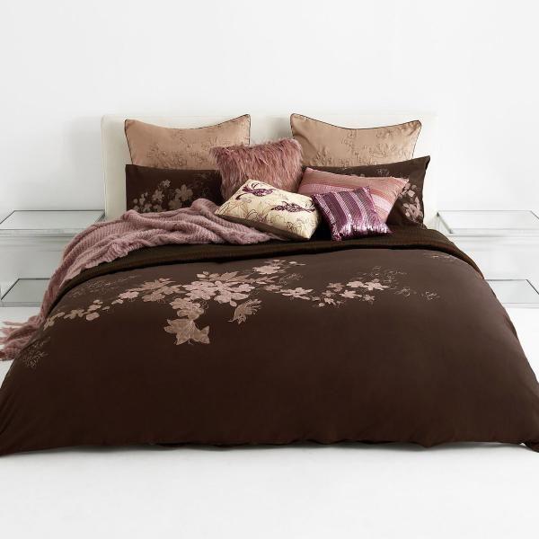 Duvet cover - sans matching pillows.