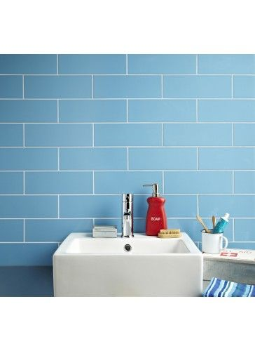 Linear Blue Gloss Wall Tiles Are Available In A Choice Of 13 Colours They Can Be Used Horizontally Blue Bathroom Walls Blue Bathroom Tile Bathroom Wall Tile