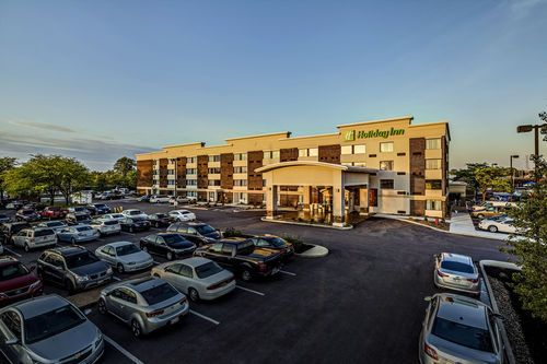 Mentor Hotels Holiday Inn Cleveland Northeast Hotel In Ohio