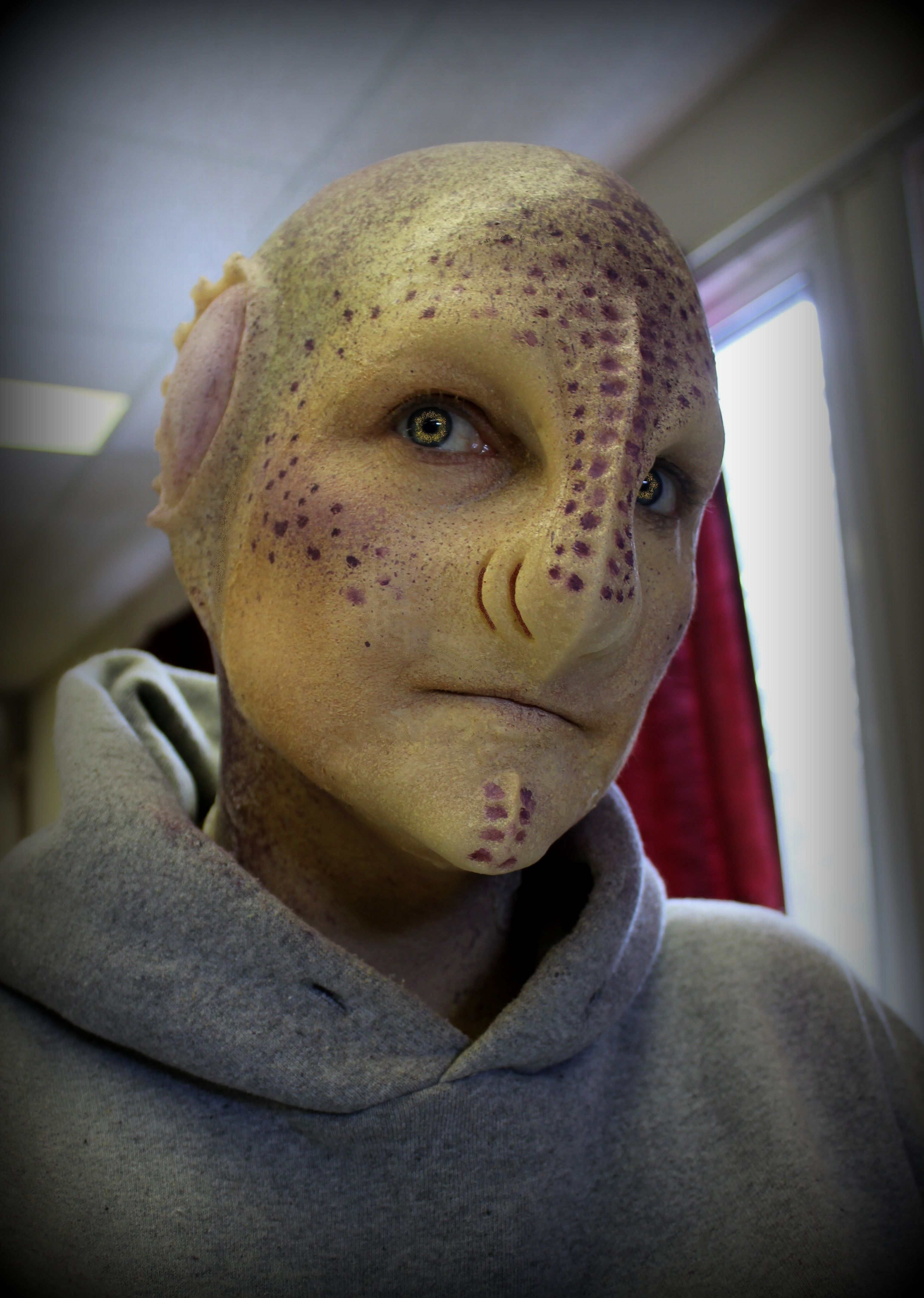 Prosthetic alien makeup by Reel Twisted FX forex review