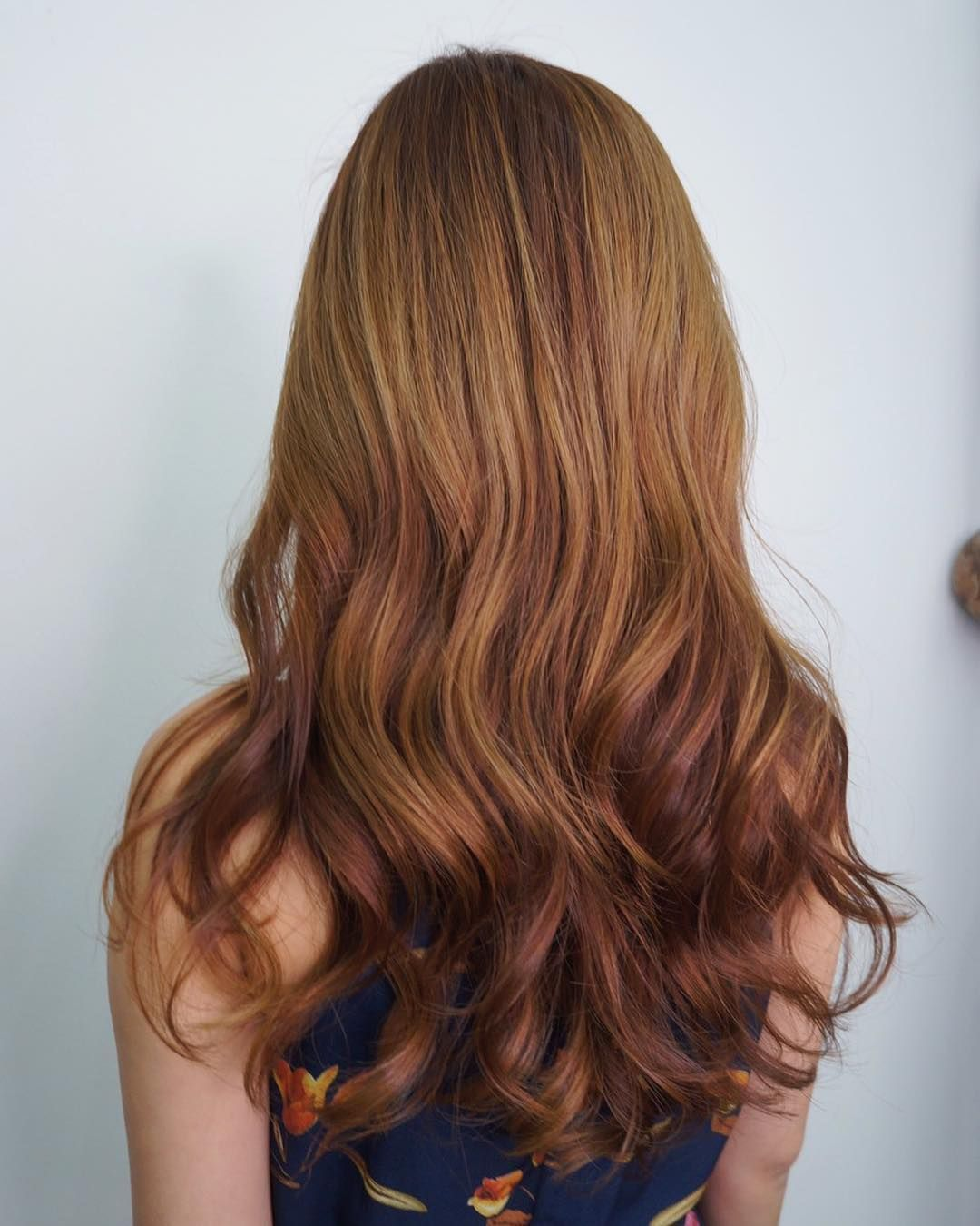 Embrace The Summer Trends With Gorgeous Warm Tones To Accentuate Your Natural Radiance Gol Gorgeous Hair Color Cinnamon Brown Hair Color Japanese Hair Salon
