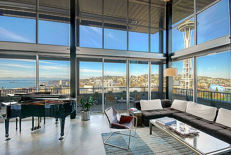 Penthouse Loft In The Beautiful City Of Seattle Showcasing Spectacular  Views Of The Space Needle.