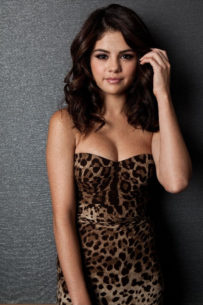 Selena Gomez photo, pics, wallpaper - photo #704240