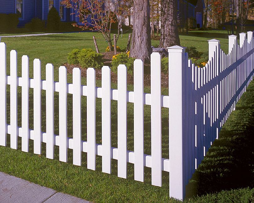 Picket Fence Designs Ideas | Vinyl picket fence, Fence decor