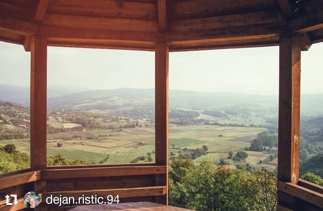 Pozdrav iz Sokobanje . #wheretoserbia #nikon #sokobanja #popovica #vidikovac #naturehippys_ #natureza🍃 #panorama #prirodasrbije #priroda #landscape #landscapephotography #landscapephoto #zivetisaprirodom #gost #nikond3200 #nikonphotography #nikonlandscape #popovicasokobanja #nikon_photography_ #kompaskazesrbija #mybeautifulserbia #prozor #windowseat