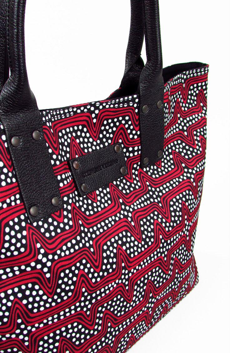 STEPHANE VERDINO. Azande.  Cabas XL. Rouge & Noire. Red & Black. Rosso & Nero. Fabric.  € 149.00  #stephaneverdino #cabas #bags #handbags #handbagsforwomen #fashion #summer #borsedadonna #borse #moda #estate #montorsigiorgioboutique #montorsimodena