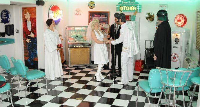 Get Married By Elvis In Las Vegas Elvis Weddings Uh Huh
