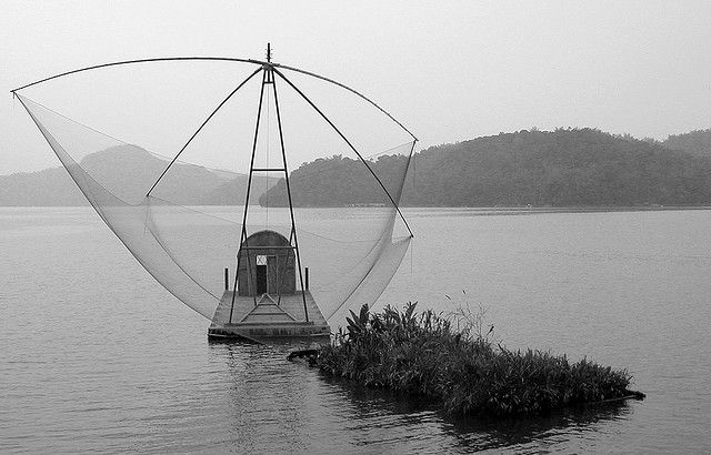 my favorite part of this place is this mini structure on the lake - four-hands fish net - also called scoop net. just in love with the simplicity of the structure!     http://bamboonets.com/netting-techniques-2/hand-nets/