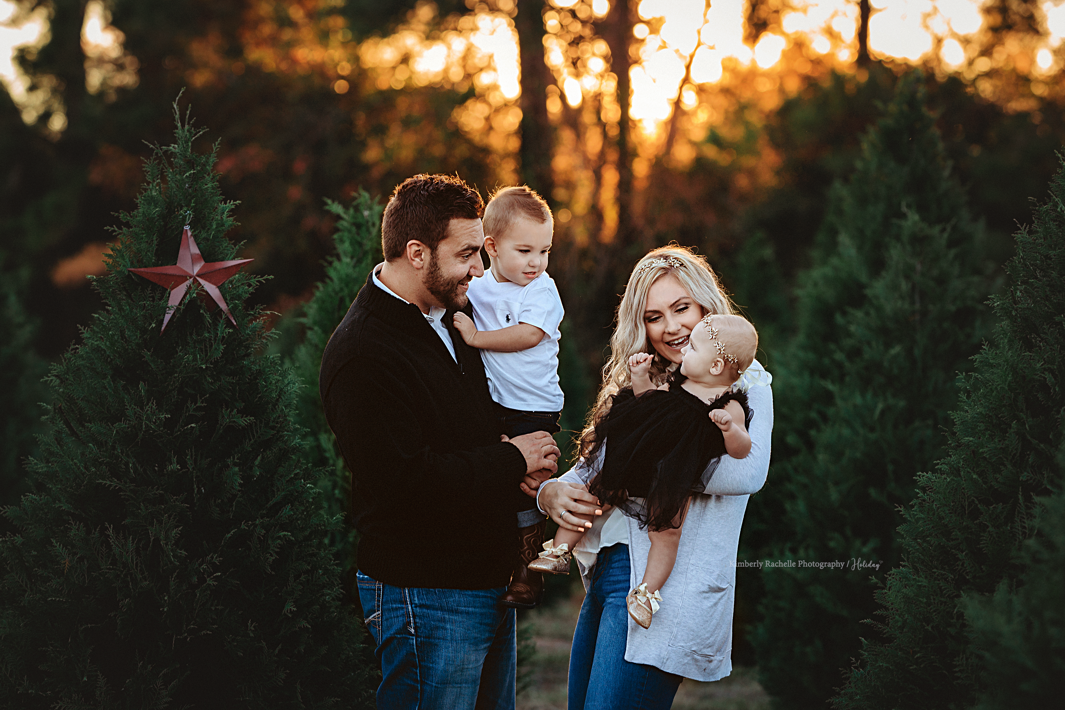 Houston Cypress Fine Art Newborn Baby Photographer Christmas Baby Pictures Family Christmas Pictures Photographing Babies