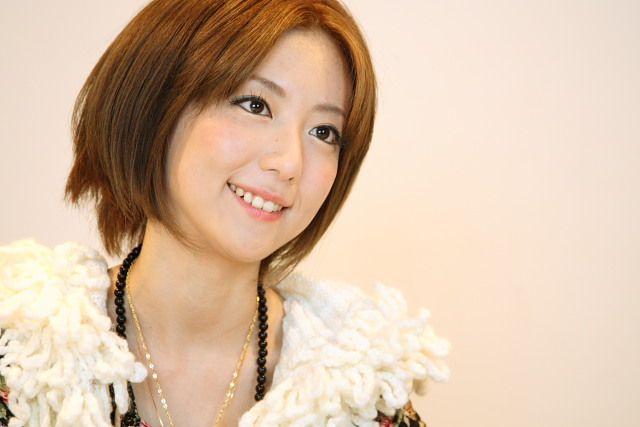画像 インタビュー Yuka Moumoon 女性らしく ハイヒールを履くのって大事 2 7 Peachy Fashion Image Headbands