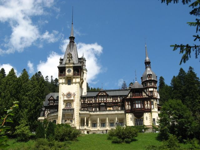 Peles Castle Romania A Princess For Christmas Was Filmed Here Hallmark Channel Movie Peles Castle Castle Places To Go