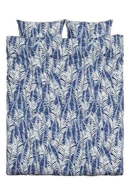 Sada povlečení na jednolůžko s tištěným vzorem palmových listů z jemné bavlněné příze 30´s, dostava 144. Povlak na peřinu se dole zapíná na skryté kovové cv