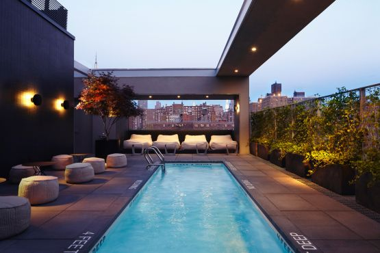The Best Hotel And Rooftop Pools In Nyc Hotel Americano Nyc