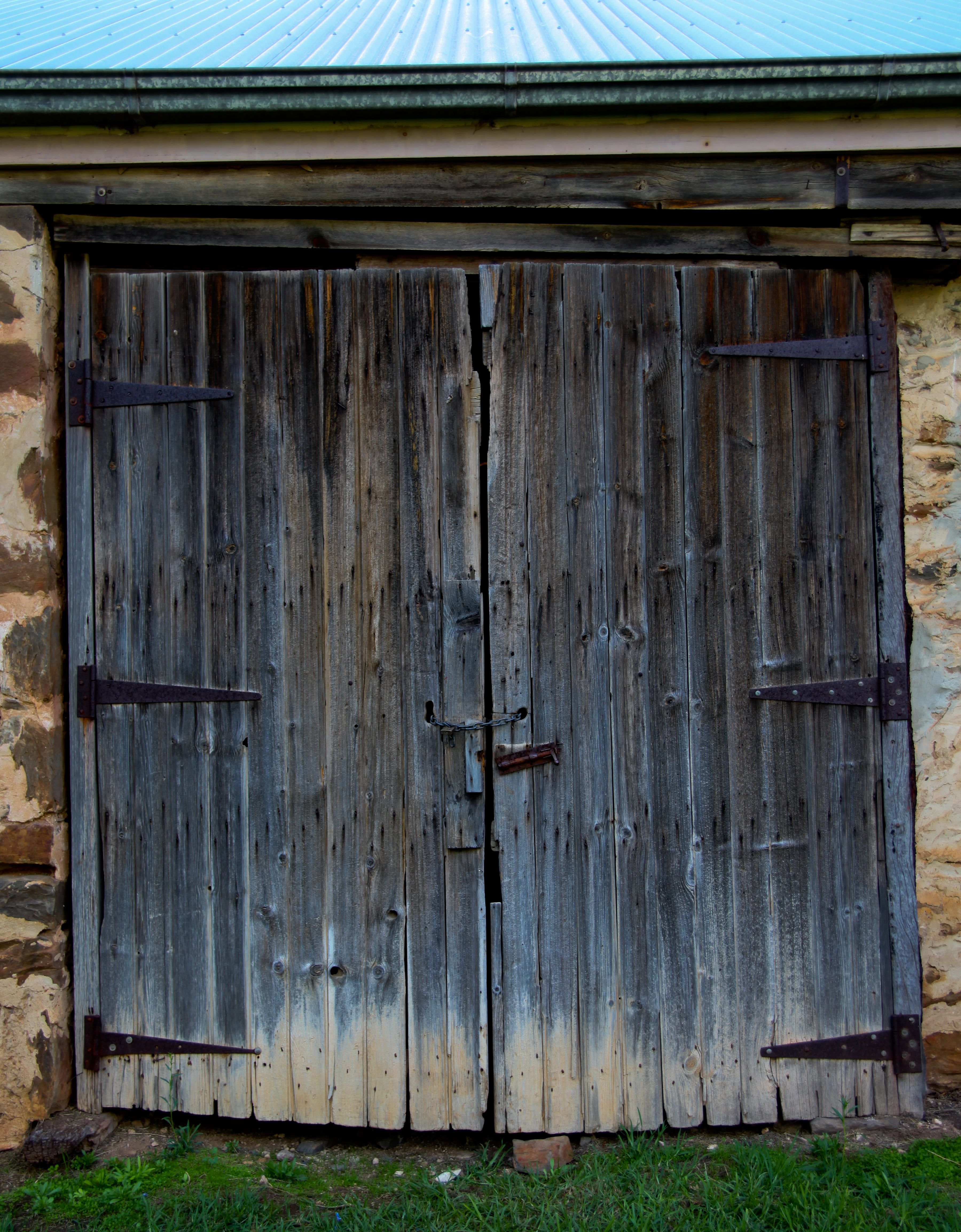 The Old Barn Doors At Glenbarr Homestead Strathalbyn Copyright Phd Photography All Rights Reserved