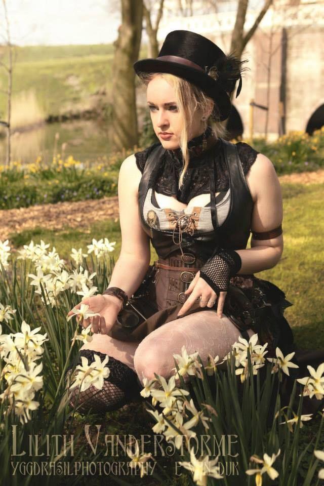 Red hair   Gothic fashion, Gothic girls, Goth fashion