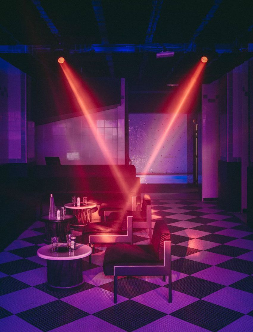 Legendary nightclub les bains paris becomes a luxury hotel for Hotel club decor