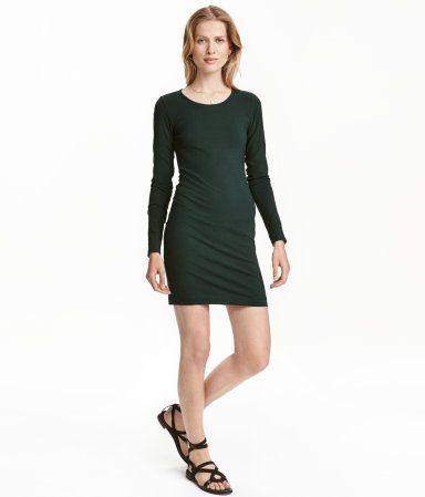 Dunkelgrun Kurzes Figurbetontes Kleid Aus Weichem Jersey Modell Mit Langem Arm