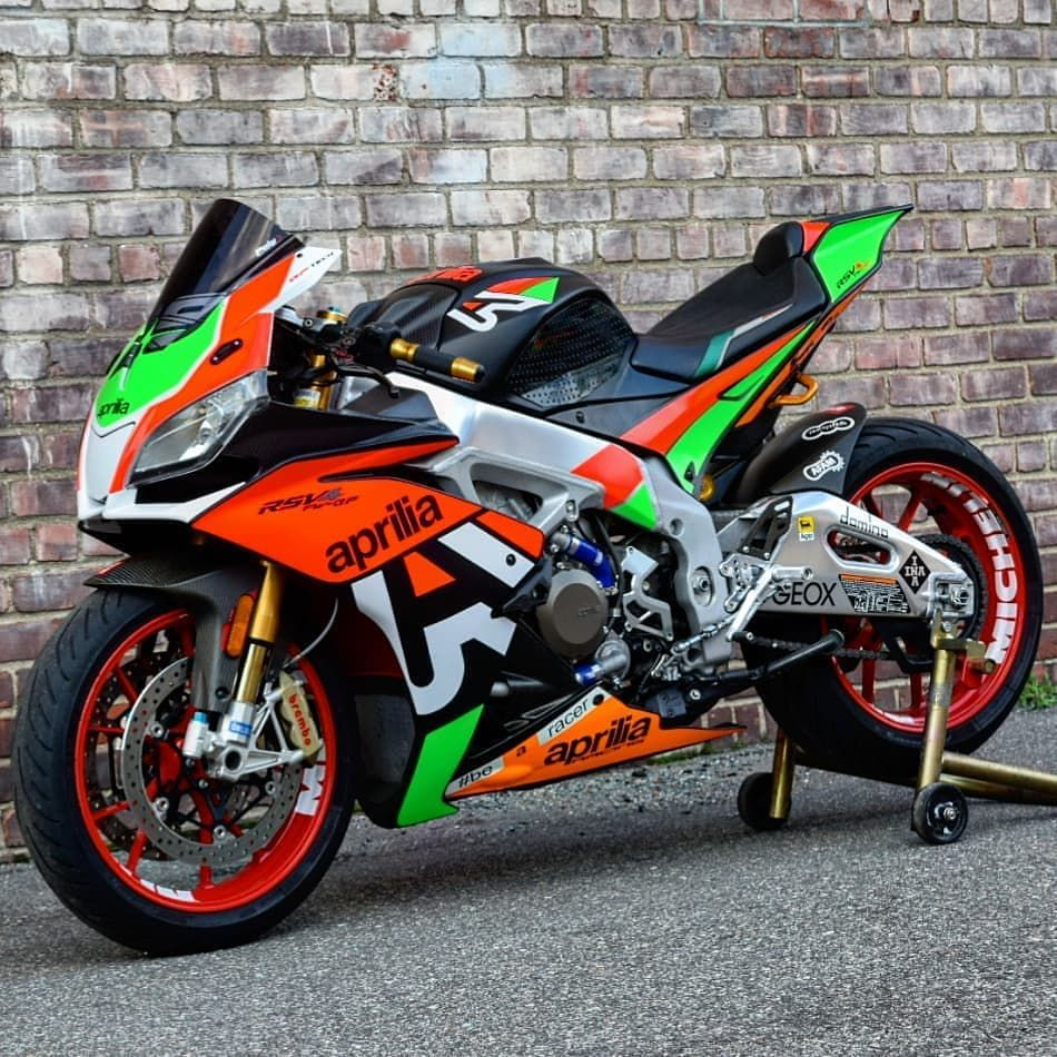Check Out This Modified Aprilia Rsv4 With Our Team Italia Suede