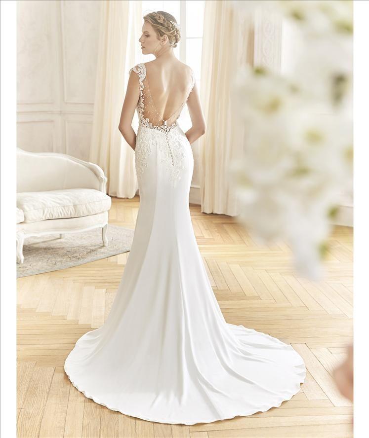 Raquel Alemañ Novias tu tienda de vestidos de novia en Alicante .  www.raquelnovias.es 614beefd401