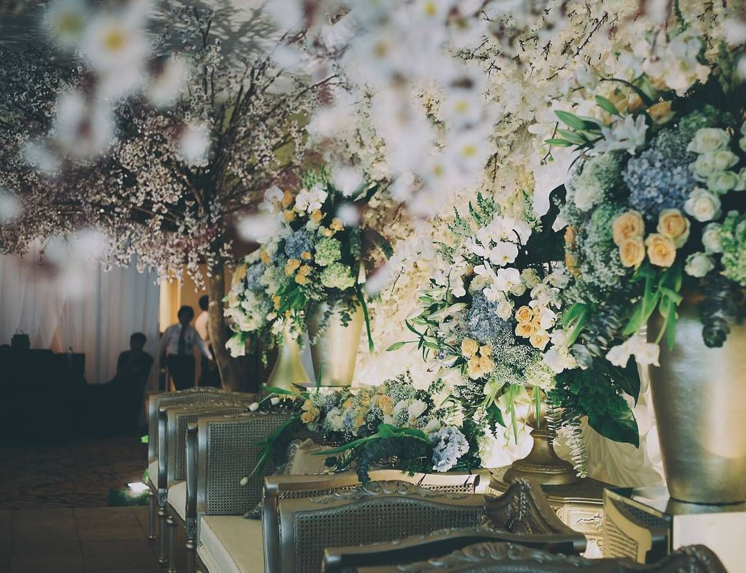 See this instagram photo by sentrabunga 56 likes decor by see this instagram photo by sentrabunga 56 likes jakartawedding decor champagne junglespirit Image collections