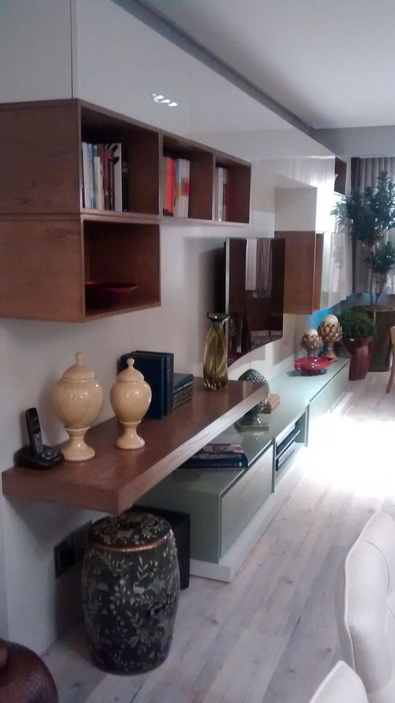 Artesanato Em Madeira 20 Modelos E Todo Charme Do Material Natural  -> Nicho Gesso Sala Estar