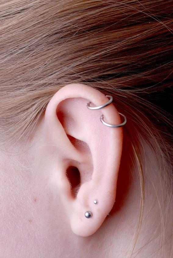cuanto tarda en curarse el piercing de la oreja