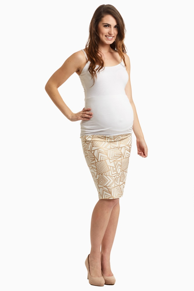 4856c3c2c6a This trendy maternity pencil skirt will be your new favorite go-to piece  for the