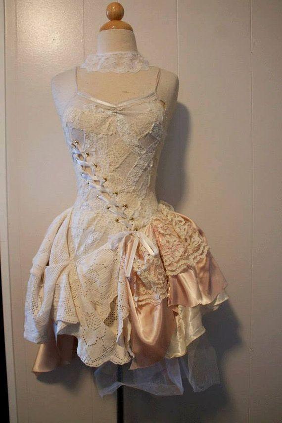 Steampunk-Brautkleid weiß und aus weißen von PatchedJester auf Etsy ...