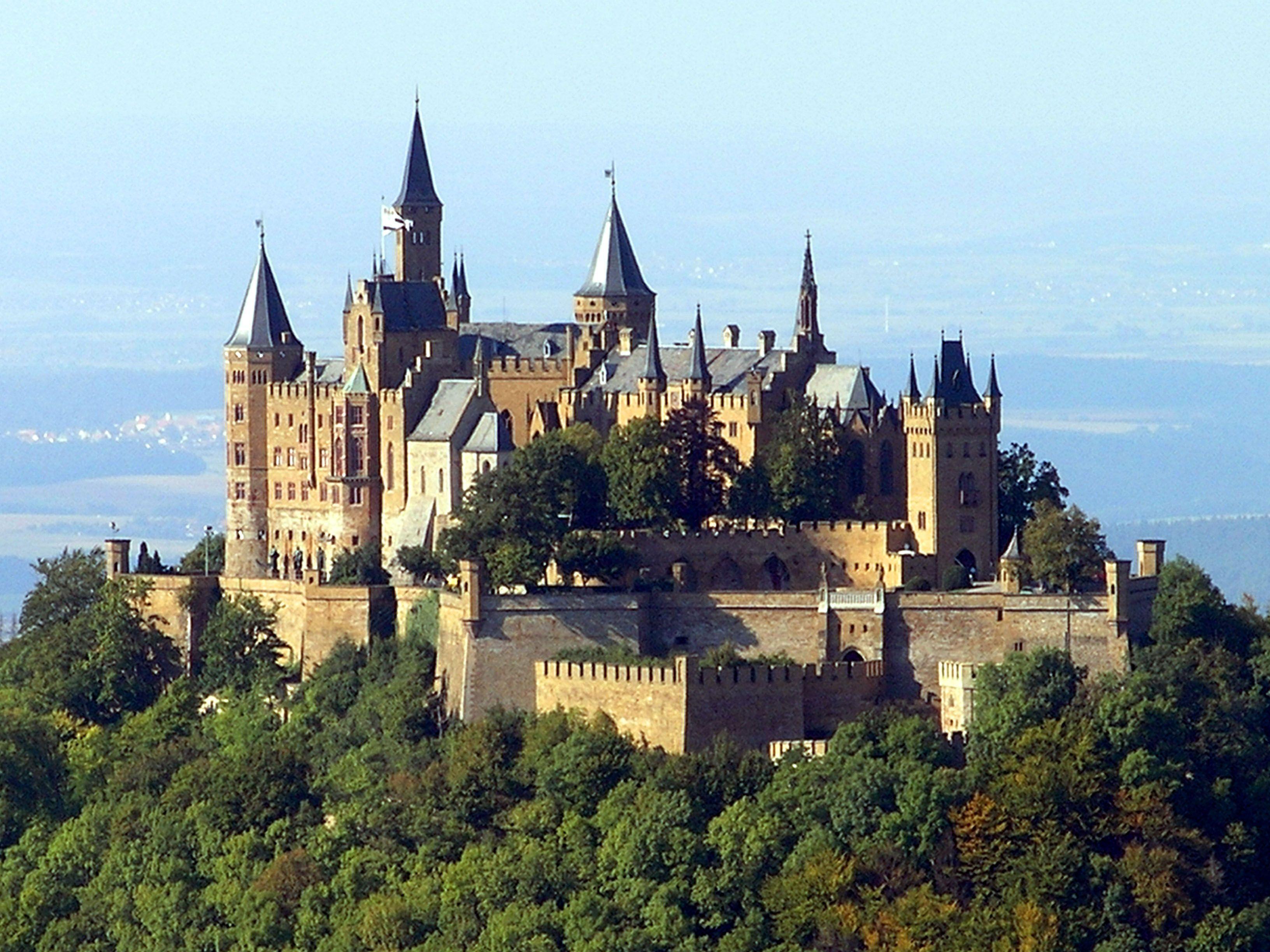 Castillo De Hohenzollern En Hechingen Baden Wurtemberg Alemania Contruccion De 1846 A 1867 Deutschland Burgen Mittelalterliche Burg Burg