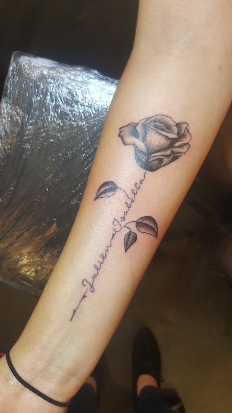 Flower name tattoo made by >> Inkt prikkers >> Bente