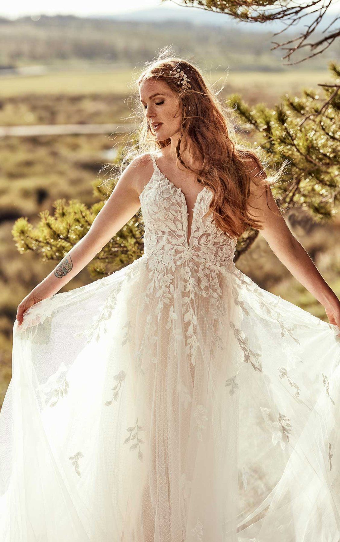 Tulle And Leaf Lace Wedding Dress All Who Wander Wedding Dresses Lace Ball Gown Wedding Dress Tulle Wedding Dress