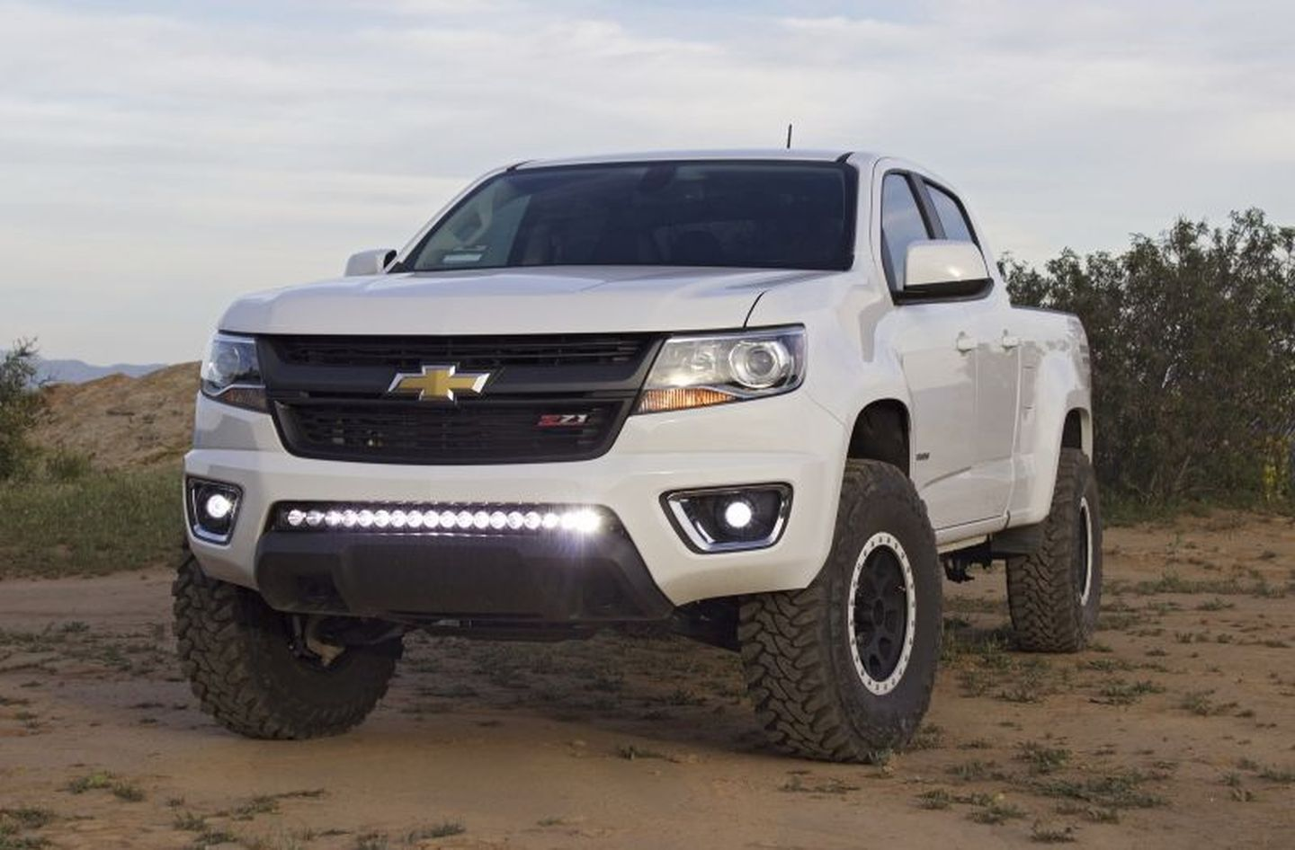 Colorado chevy colorado 33s : 2015 Chevy Colorado w/ Zone 5.5'' Lift Kit and 33s   Stuff to Buy ...