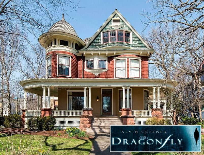 Kevin Costner S Beautiful Old House From Dragonfly For Sale Hooked On Houses House House On A Hill Victorian Homes