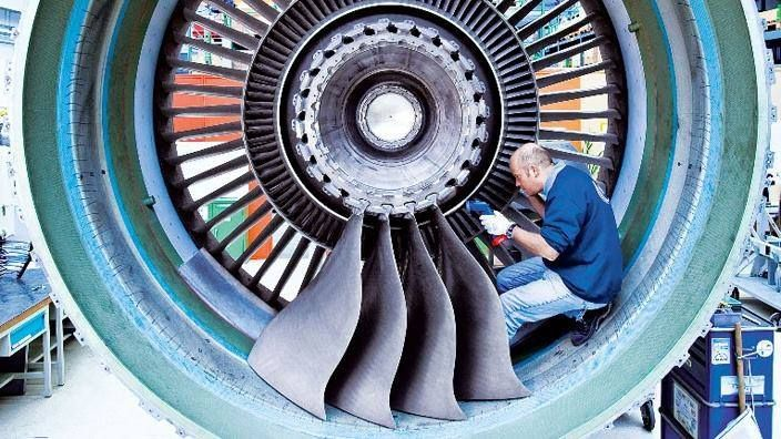 Turbo-fan large turbine blades implants | Aviation | Pinterest ...