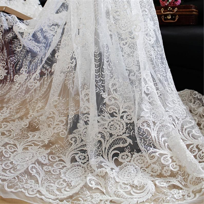 Vintage Floral Lace Fabric for Wedding Dress Bridal Veil Lace Fabric By The Yard High Quality Embroidery Lace Fabric