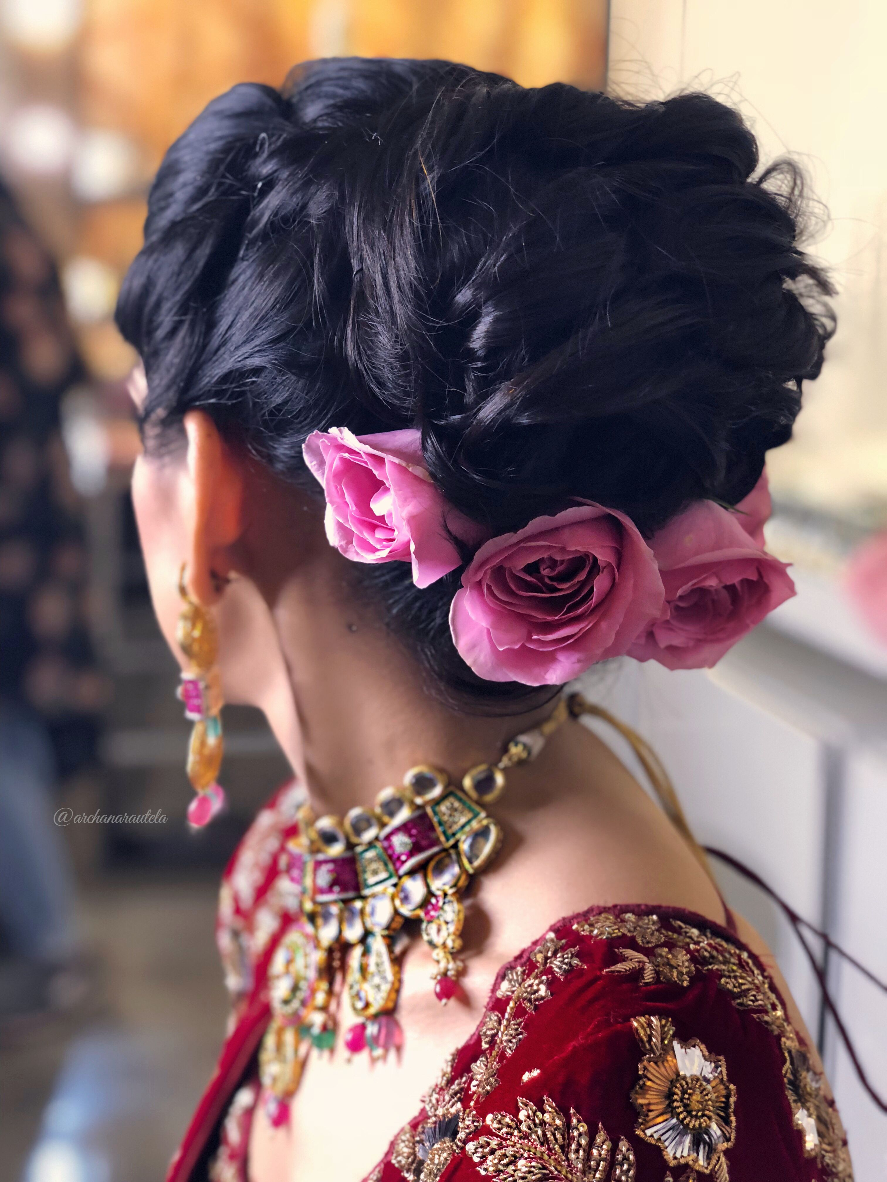 pink rose hair 🌷🌷🌷👰🏼🌷🌷🌷 bridal hairdo the