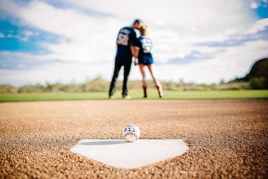 www.courtneysargent.com wp-content uploads 2014 03 baseball_themed_Scottsdale_engagement_session-2.jpg