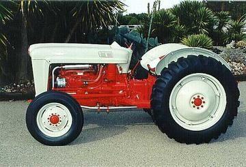 Ford Jubilee Photo 2 Tractors Vintage Tractors Antique Tractors