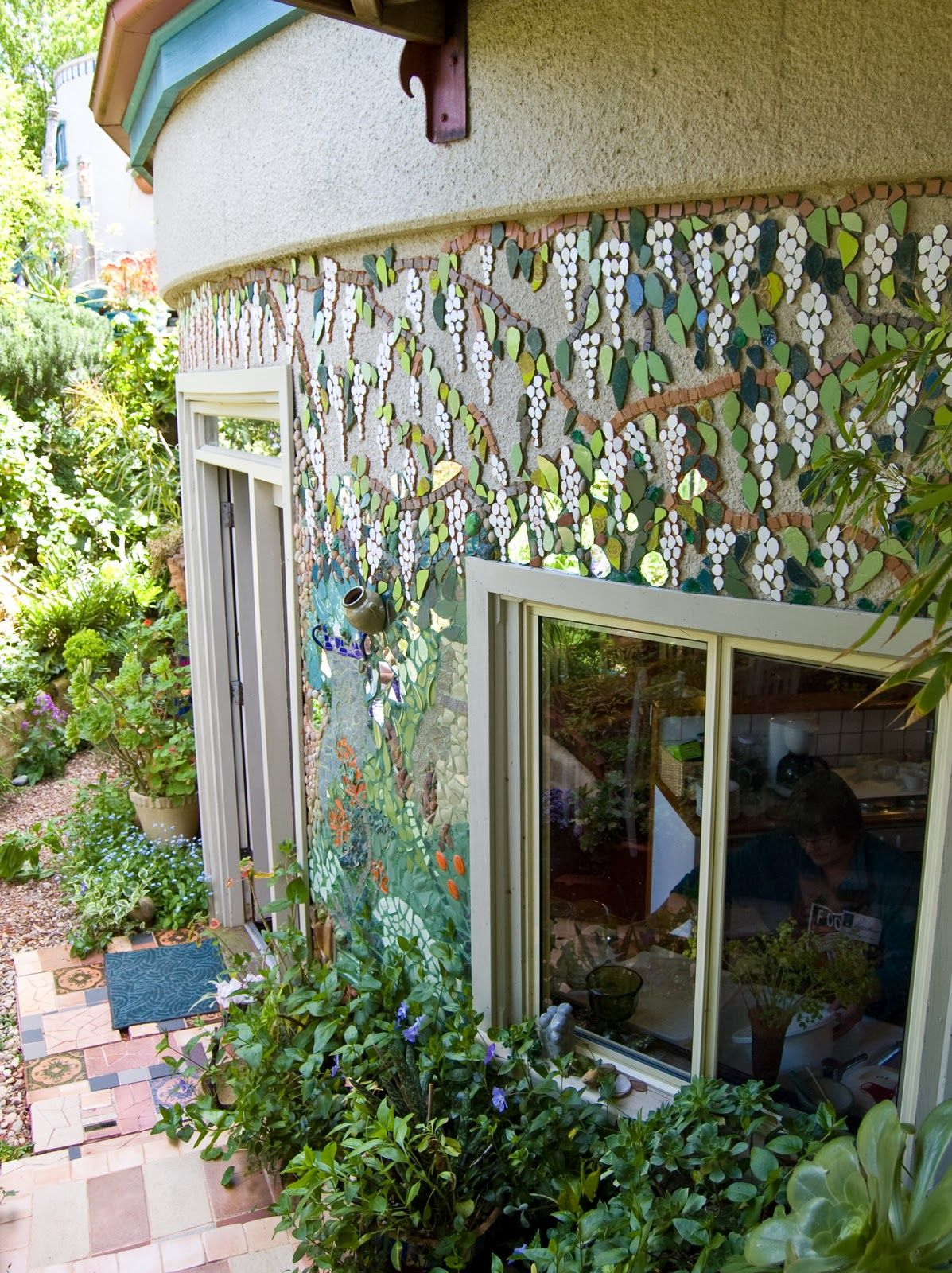 Ungrouted Wall Tickletank Irene Stone Pearce South Australia Mosaic Wall Mosaic Murals Mosaic Garden