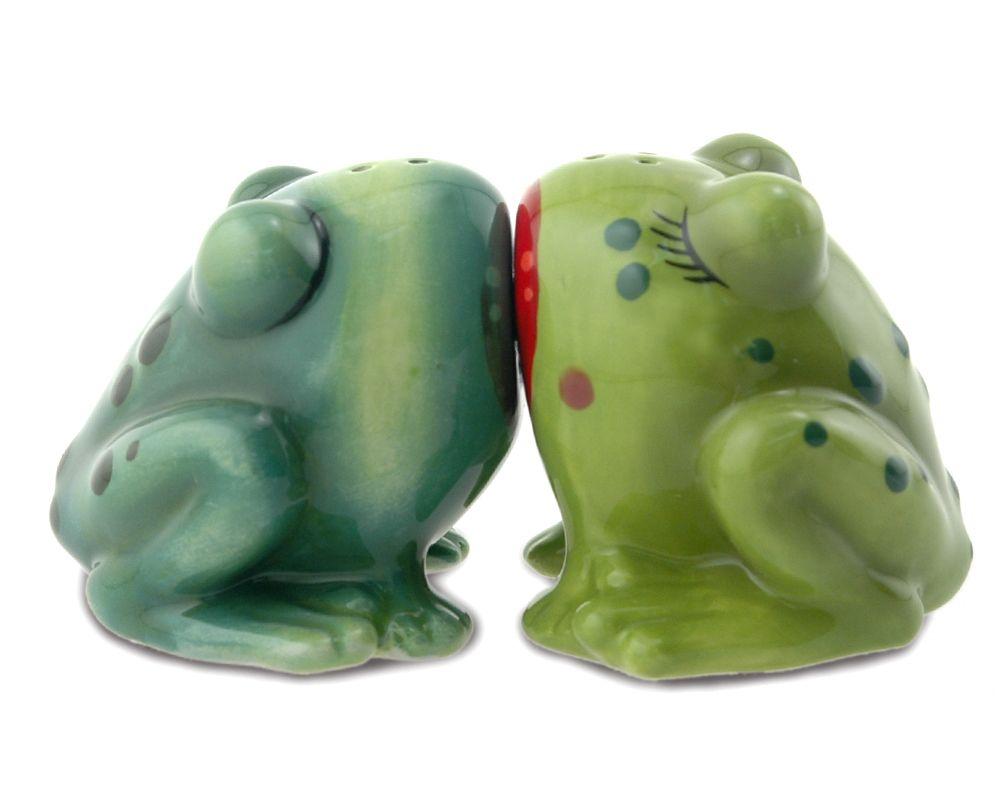 froggy kissing salt  pepper shakers  salt n pepper shakers  - froggy kissing salt  pepper shakers