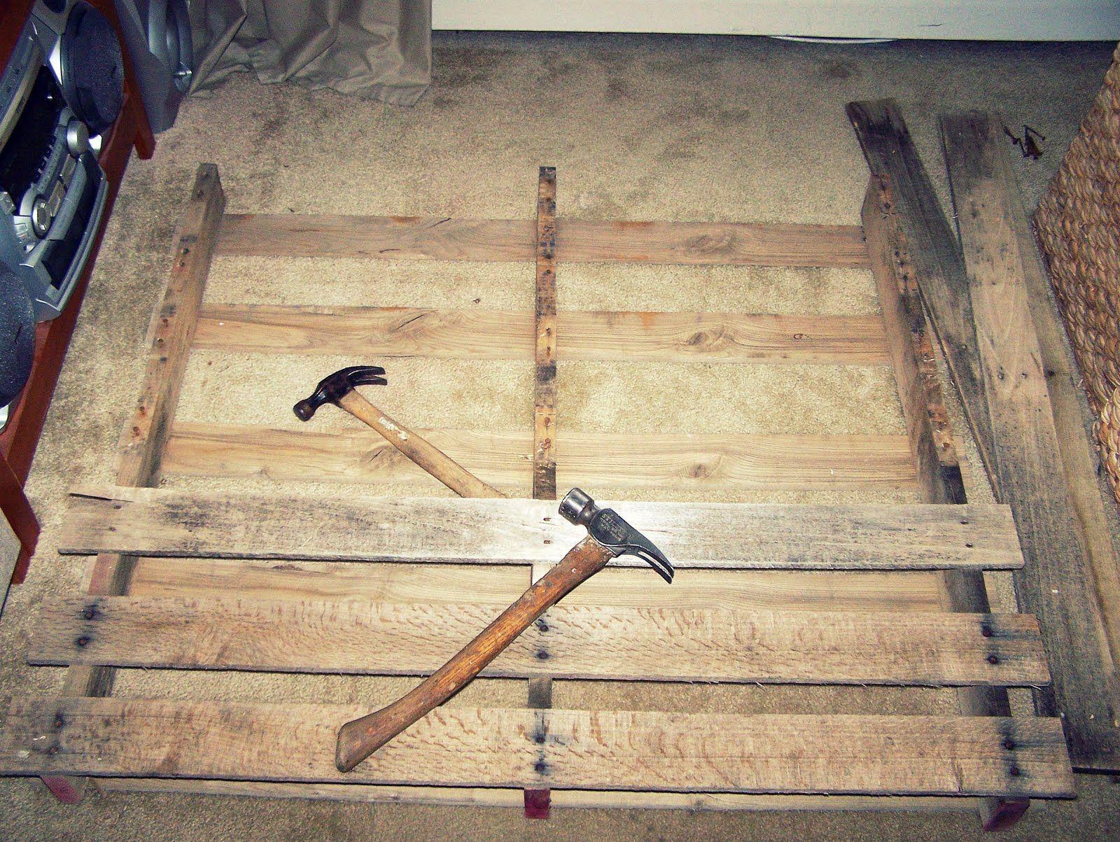 how to take apart a pallet disassembling pallets diy furniture diy pallet furniture diy. Black Bedroom Furniture Sets. Home Design Ideas