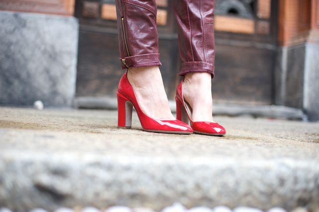 NO: caviglie sacrificate, pantaloni troppo larghi per una scarpa così delicata.  My Free Choice by Erika Boldrin